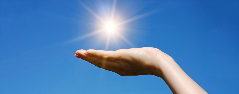 Hand unter Sonne